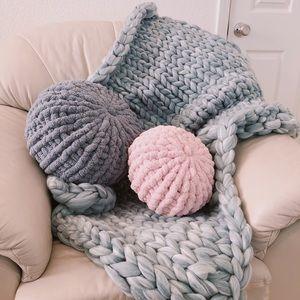 Beautiful gray chunky hand knit throw blanket